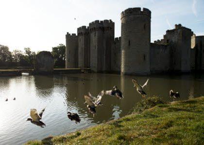 Bodiam Castle, http://www.nationaltrustimages.org.uk - Upitravel