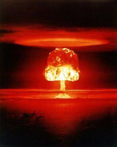 bomba-atomica-239×300